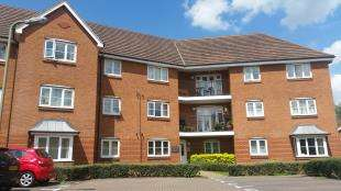2 Bedrooms Flat for sale in Tylehurst Drive, Earlswood, Redhill, Surrey