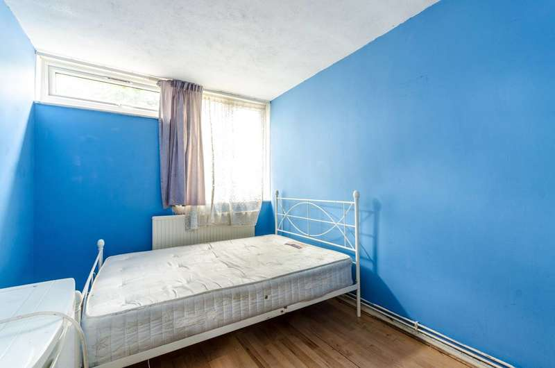 4 Bedrooms House for sale in Portbury Close, Peckham, SE15
