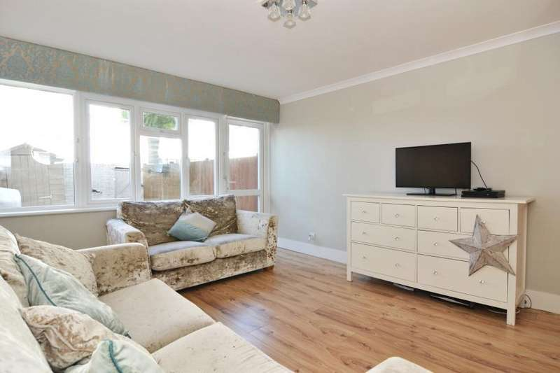 3 Bedrooms Flat for sale in Philpot Square, Fulham SW6