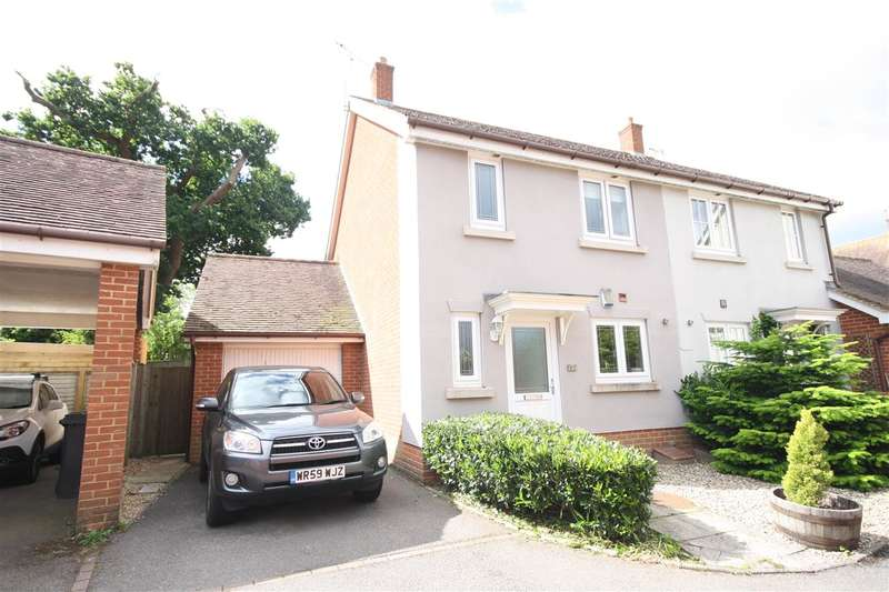 3 Bedrooms Semi Detached House for sale in DENMEAD