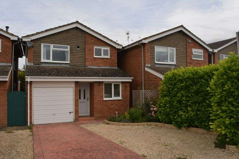 3 Bedrooms Property for sale in De Vitre Place, Grove, Wantage