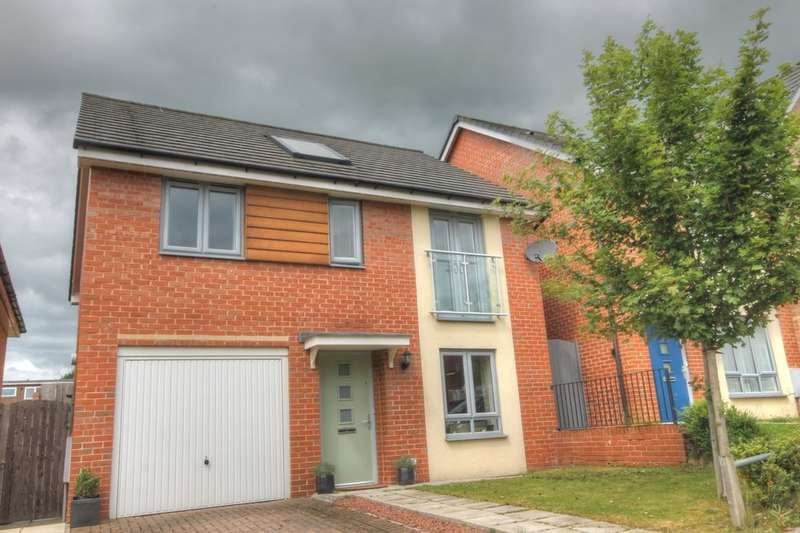 4 Bedrooms Detached House for sale in Lydney Court, Throckley, Newcastle Upon Tyne, NE15