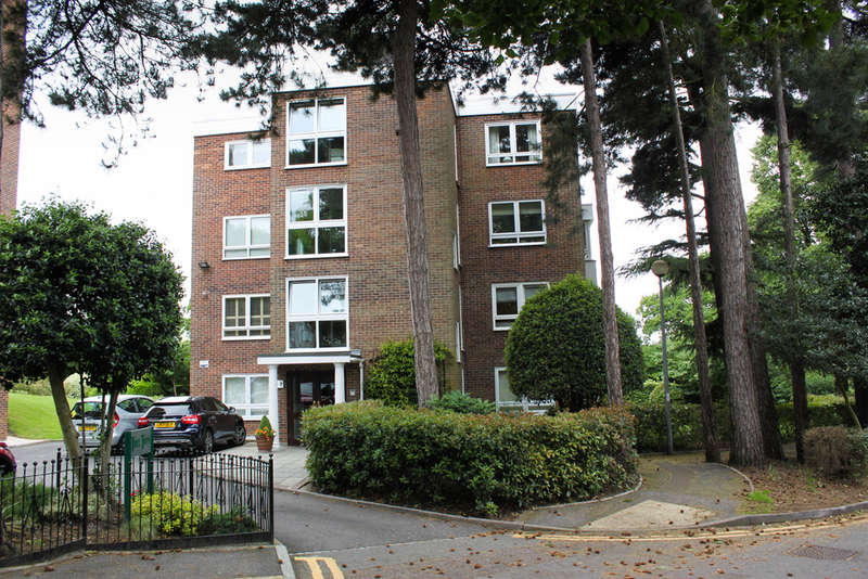 2 Bedrooms Flat for sale in Sydney Road, Woodford Green