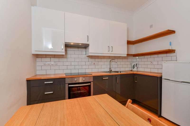 1 Bedroom Flat for sale in Kempsford Gardens, Earls Court, SW5