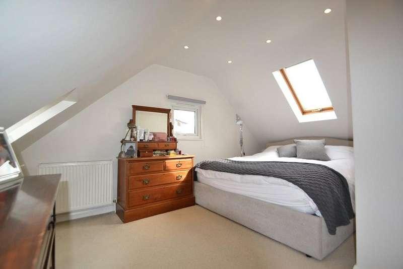 1 Bedroom Flat for sale in Carleton Gardens, Brecknock Road, Tufnell Park, London, N19