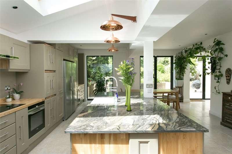 5 Bedrooms Semi Detached House for sale in Kingsmead Road, London, SW2