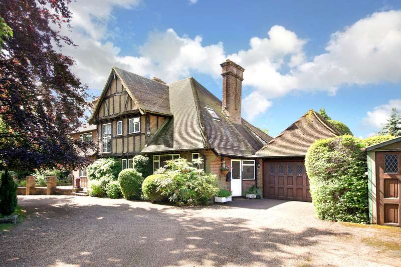 4 Bedrooms Detached House for sale in Nairdwood Lane, Prestwood, Buckinghamshire, HP16