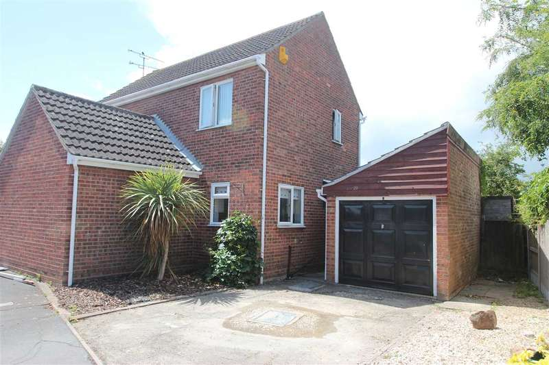 4 Bedrooms Detached House for sale in Westridge Way, Clacton-On-Sea