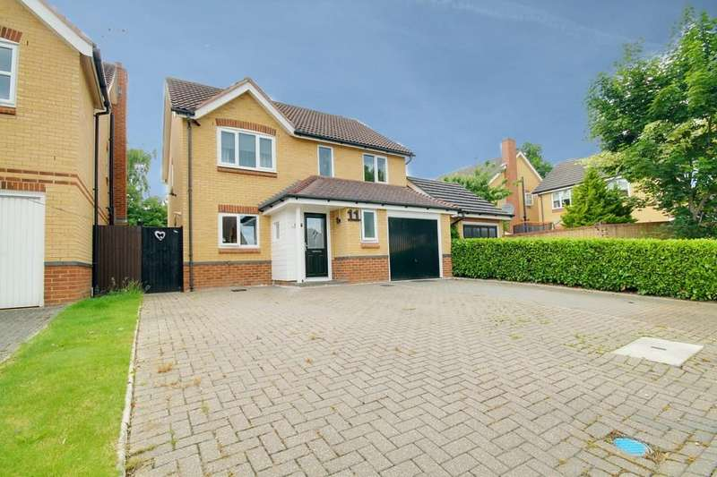 4 Bedrooms Detached House for sale in Auber Close, Hoddesdon