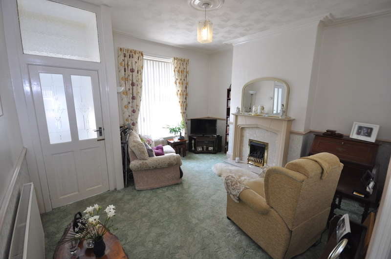 2 Bedrooms Terraced House for sale in Hodgson Street, Darwen