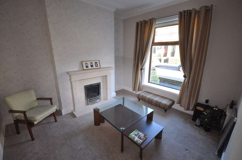 2 Bedrooms Terraced House for sale in Elliott Avenue, Whitehall, Darwen