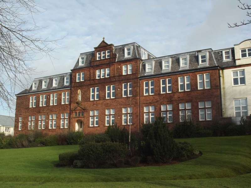 2 Bedrooms Apartment Flat for sale in Derwent House, Kilmarnock