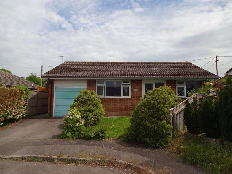 2 Bedrooms Detached Bungalow for sale in Aplands Close, Child Okeford DT11