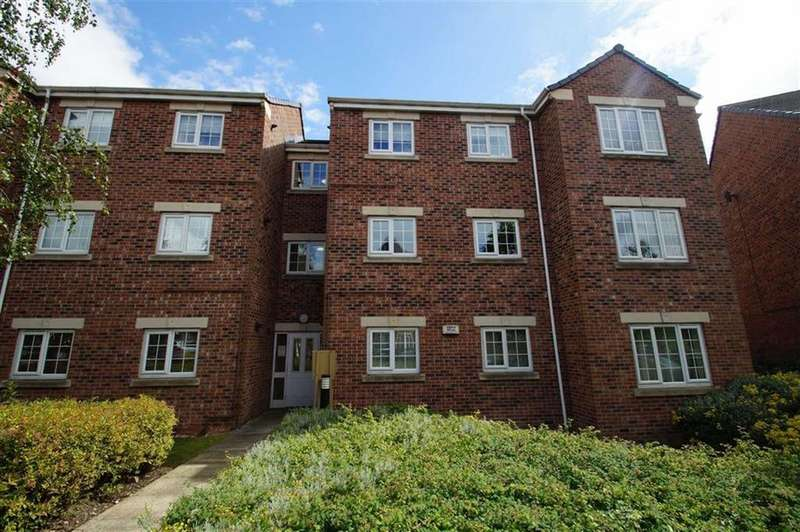2 Bedrooms Apartment Flat for sale in Castle Lodge Avenue, Leeds