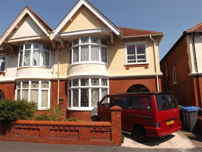 4 Bedrooms Semi Detached House for sale in Lincoln Road, Blackpool, Lancashire, FY1 4HB