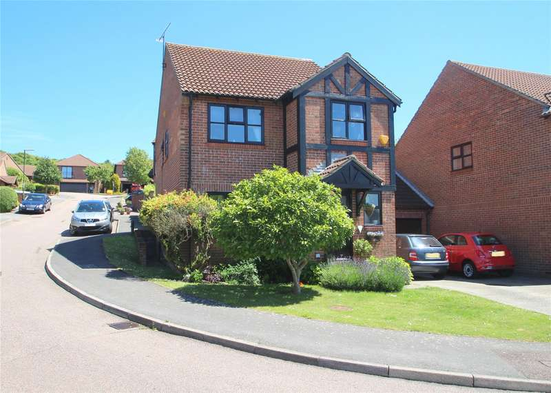 4 Bedrooms Detached House for sale in Highview, North Sompting, West Sussex, BN15