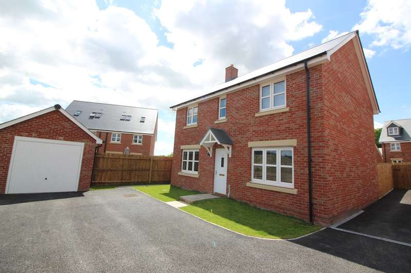 4 Bedrooms Detached House for sale in Ffordd Sain Ffwyst, Llanfoist, Abergavenny, NP7