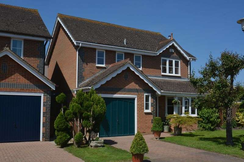 4 Bedrooms Property for sale in Field Gardens, Steventon, Abingdon