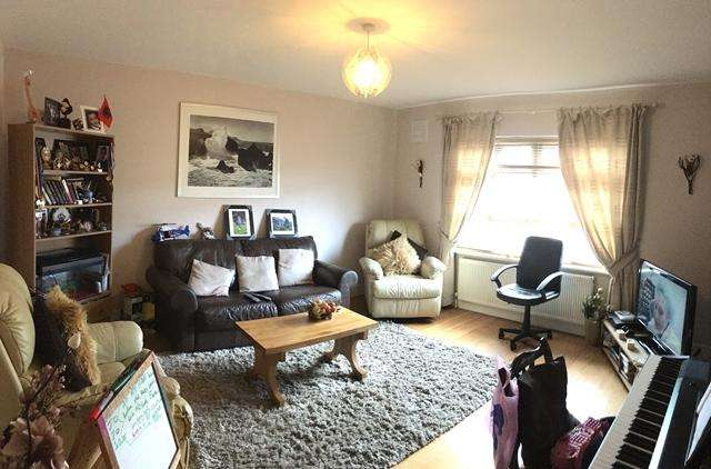 3 Bedrooms Maisonette Flat for sale in The Broadway, Brighton, East Sussex BN2 5NF