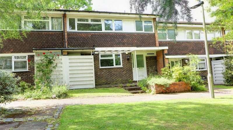 3 Bedrooms Terraced House for sale in Wellsmoor Gardens, Bickley, Bromley, Kent