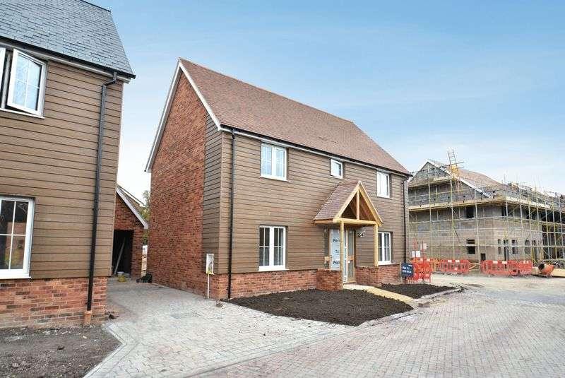 4 Bedrooms Property for sale in Bessels Way, Blewbury, Didcot