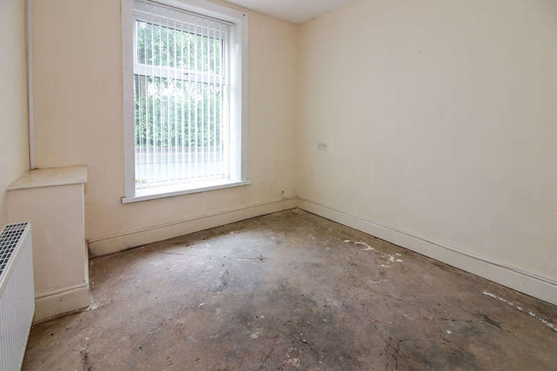 3 Bedrooms Property for sale in Kay Street, Darwen, BB3