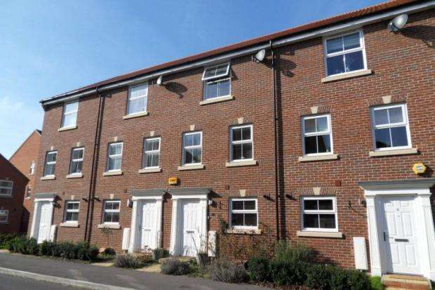 4 Bedrooms Terraced House for sale in Walsh Road, Bramley, Tadley