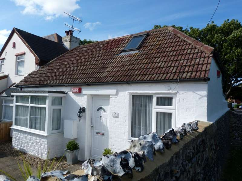2 Bedrooms Semi Detached Bungalow for sale in Fair Street, Broadstairs