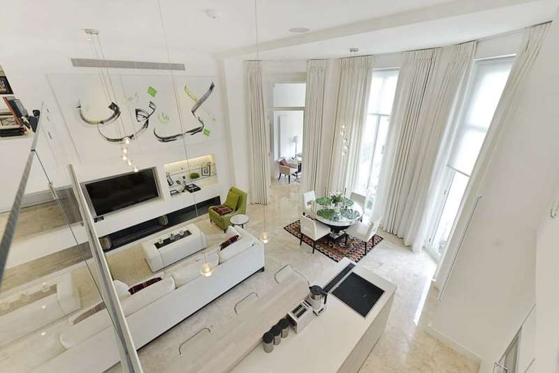 4 Bedrooms Flat for sale in Hyde Park Gate, Kensington
