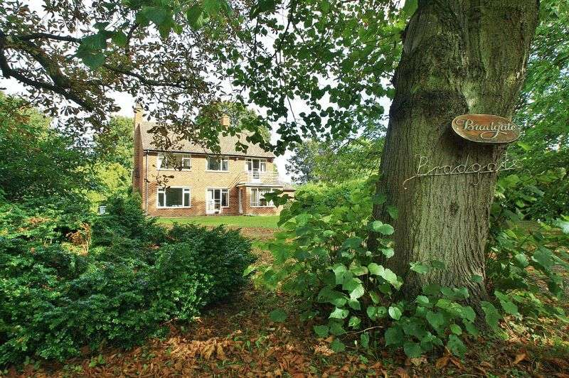 3 Bedrooms Property for sale in 8 Court Drive, Shillingford, Wallingford