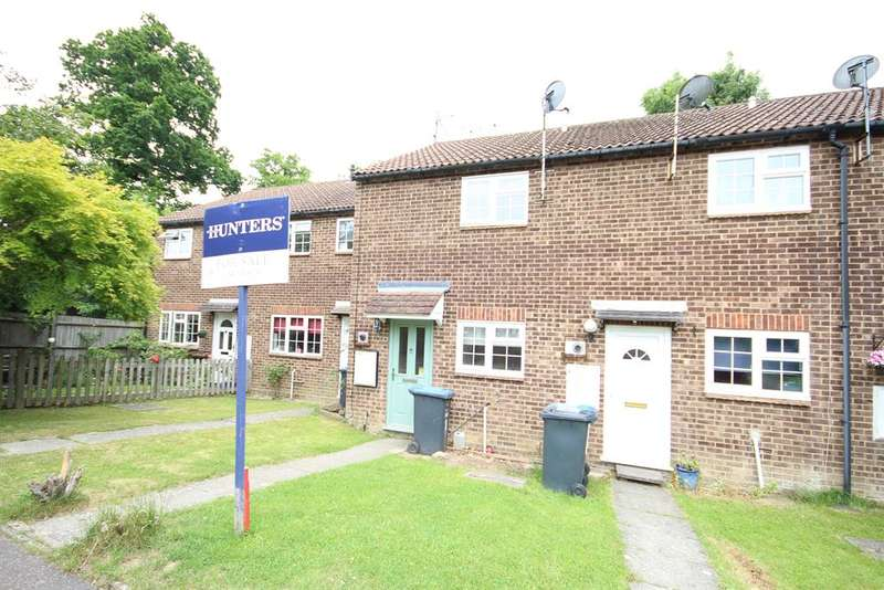 2 Bedrooms Terraced House for sale in Elm Drive, East Grinstead, RH19