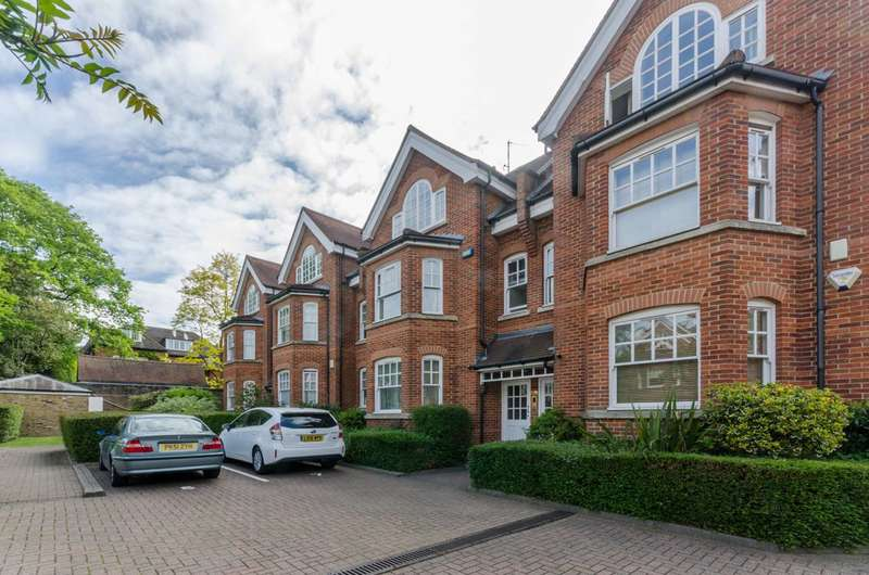 3 Bedrooms Flat for sale in Windsor Court, Hampstead, NW3