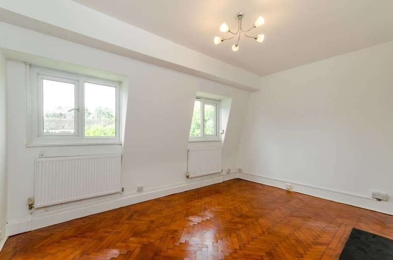 3 Bedrooms Flat for sale in St Johns Drive, Earlsfield, SW18