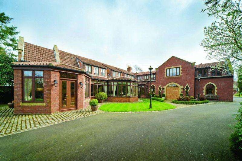 5 Bedrooms Detached House for sale in The Granary, Runnymede Road, Darras Hall,