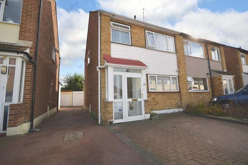 3 Bedrooms Semi Detached House for sale in Birch Close, Romford, RM7