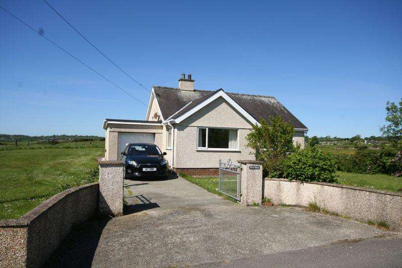 2 Bedrooms Detached Bungalow for sale in Llanbedrgoch, Anglesey