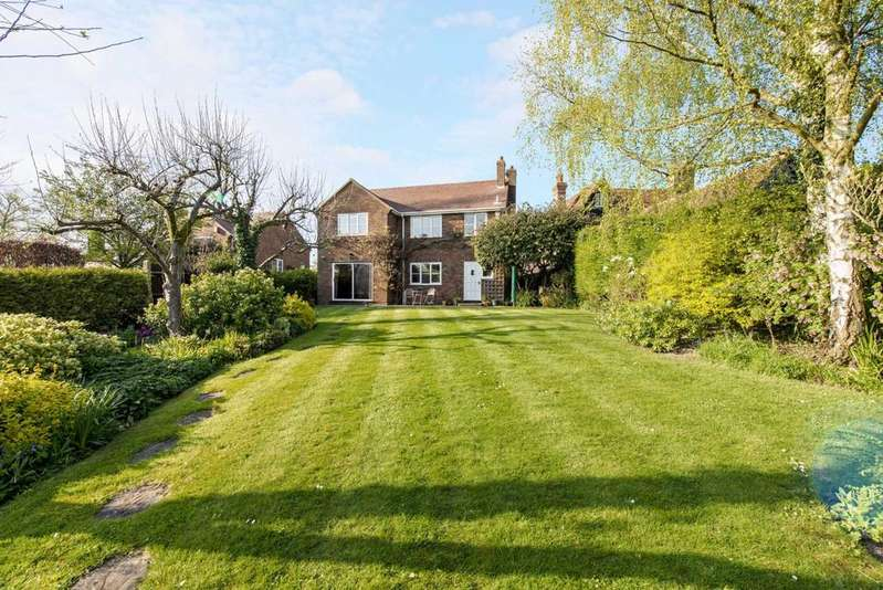 4 Bedrooms Detached House for sale in High Street, Ivinghoe
