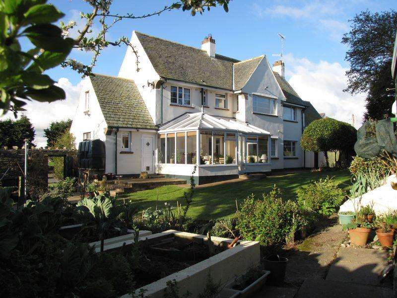 4 Bedrooms Detached House for sale in Amlwch, Anglesey