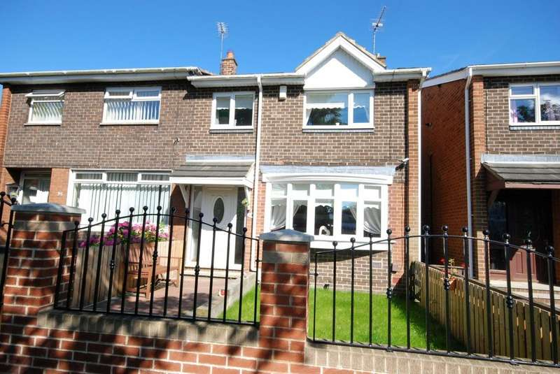 3 Bedrooms Semi Detached House for sale in Killarney Avenue, Downhill