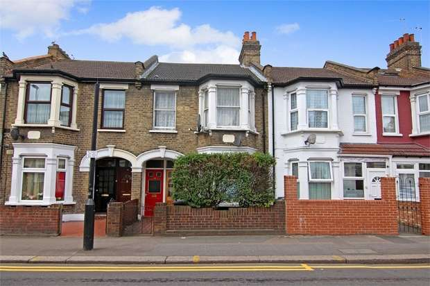 2 Bedrooms Flat for sale in Palmerston Road, Walthamstow, London