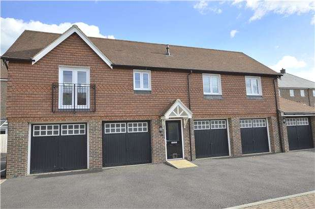 2 Bedrooms Detached House for sale in Horley, RH6