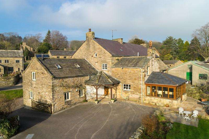 5 Bedrooms Detached House for sale in Aughton, Lancaster
