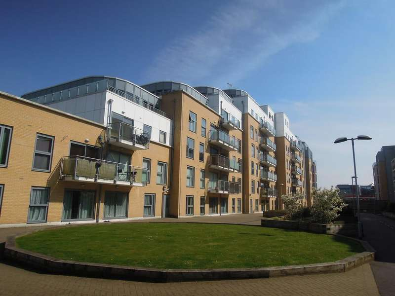 2 Bedrooms Apartment Flat for sale in Monument Court