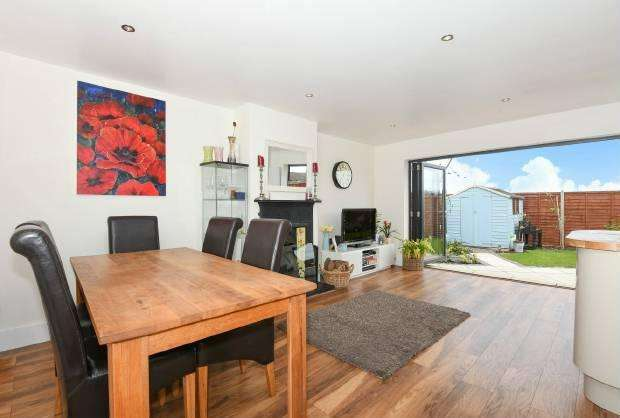 3 Bedrooms Detached House for sale in Gordon Road Windsor