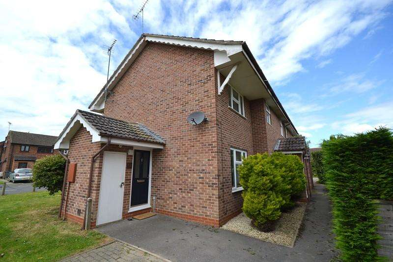 1 Bedroom End Of Terrace House for sale in Ottershaw