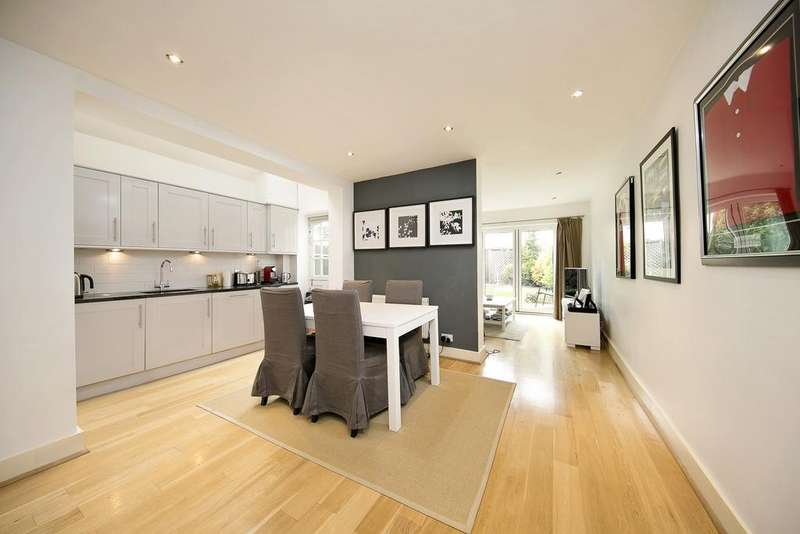 2 Bedrooms Flat for sale in St Albans Avenue, London