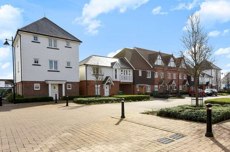 4 Bedrooms Detached House for sale in The Boulevard, Bersted, Bognor Regis, PO21