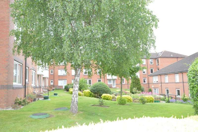 1 Bedroom Retirement Property for sale in Goldsmere Court, Fentiman Way, Hornchurch, Essex, RM11