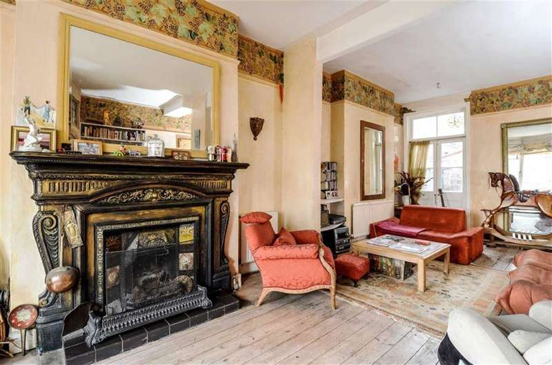 4 Bedrooms House for sale in Hartland Road, Queens Park