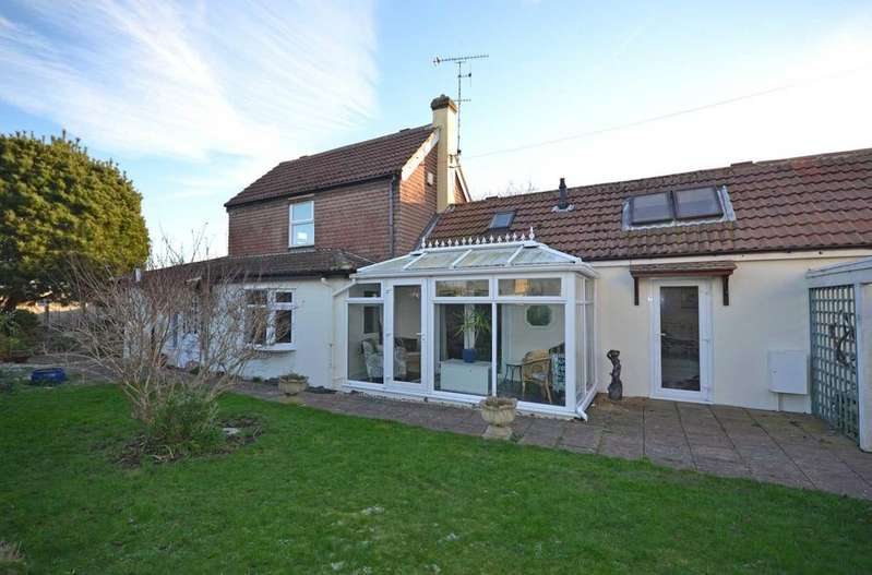 3 Bedrooms Detached House for sale in North Road, Selsey, PO20